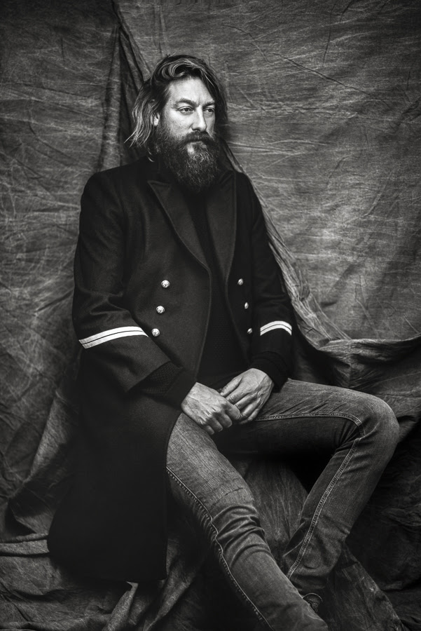 """The search for meaning in life is a quest as old as humanity itself, and one that deepens the longer one looks. Those who seek such answers also undertake a journey, both spiritually and philosophically; for artist Joep Beving, Henosis – the closing chapter in a trilogy of albums – marks the end of his own, personal four-year exploration.   The enigmatic artist has announced a brand new album – the beautiful, meandering Henosis, out 5th April, sweeps with a gentle electronica. Today he shares second single 'Unus Mundus' via The Line of Best Fit.  Beving rose to prominence quite by accident, having written and self-released his debut album Solipsism for fun, he was awe-struck when the pieces surpassed 85 million streams on Spotify. Since picked up by classical giants Deutsche Grammophon, he's come a long way from his day job in Advertising and writing his music in the kitchen at night whilst his family slept. Last year he wrote and performed an art piece at Burning Man Festival the 'Drone Ballet', where an autonomous flying swarm of 300 illuminated drones took to the evening sky above the festival, to a crowd of more than 70,000 people.  """"This is my journey, and my search for understanding,"""" says Beving. Fittingly, given the concepts behind it, Henosis is a vast, sprawling double album, twenty-two tracks that gently draw the listener in and lead the way, from the calm, contemplative 'Into The Dark Blue' to the otherworldly new track 'Unus Mundus'.   """"I believe that the answers are much more on the inside,"""" he explains. """"So this journey, in a way, is also an internal one. My hope is to give people a space to be in for a couple of minutes or hours where they feel things just seem to be right, like a recognition that they're understood or that they can just be."""""""