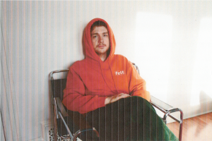 HOMESHAKE Shares new single & video 'Passenger Seat' New album Under The Weather out September 10