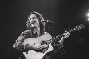 JACK BOTTS UNVEILS 'TATTOOS' ACOUSTIC + LIVE VIDEO 'TATTOOS' ADDED TO APPLE MUSIC'S ELITE 'ACOUSTIC CHILL' PLAYLIST ANNOUNCED ON NYE ON THE HILL + REVEALS SUMMER 2022 HEADLINE SHOWS