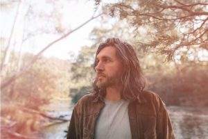 SAM TESKEY RELEASES HEARTFELT NEW SINGLE 'TIL THE RIVER TAKES US HOME' DEBUT SOLO LP CYCLES - OUT OCT 8